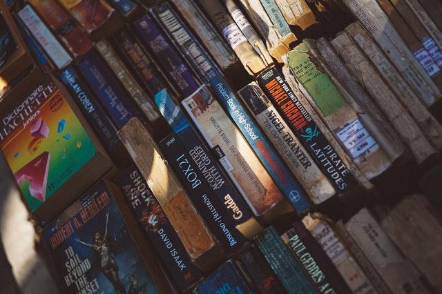 Co zrobić z książkami, których chcemy się pozbyć? – Poradnik